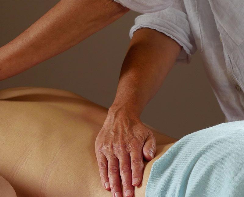 Terre de Reiki - Finistère ( 29 ) - Le Massage Ayurvédique : le massage bien être 100% naturel